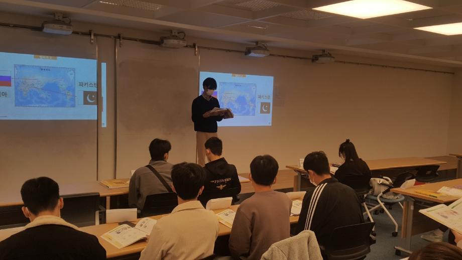 한국어교사 정현우 선배를 소개합니다. 이미지